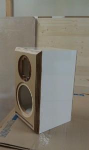 Vota 1 Hochglanz Acrylux weiß mit Birke Multiplex