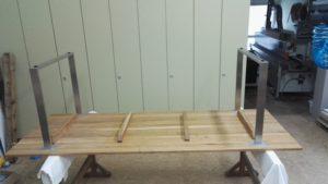 Tisch Eiche massiv mit V2A Gestell